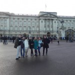Groupe devant Buckingham Palace